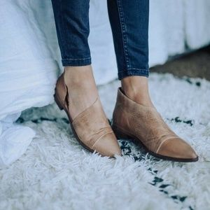 Free People Royale Pointy Toe Flats 40